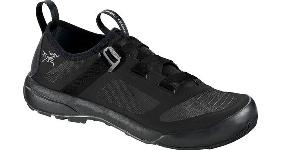 Arc'teryx W's Arakys Approach Shoes Black/Black